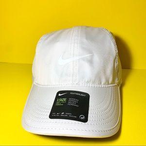 Nike women's Featherlight White Hat